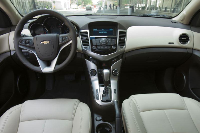 Chevrolet Cruze 1lt 2011 года Тесты автомобилей Обзоры
